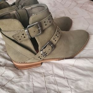 EUC olive green booties